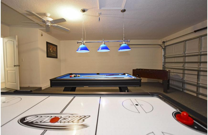 Air Hockey and Pool - Calabria at Westside - 6 Bedroom luxury vacation home - Homes4uu