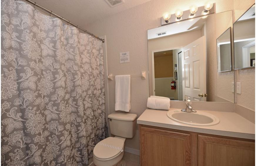 Bathroom 3 - Shift Colors - 4 bedroom Disney area vacation townhome - Homes4uu