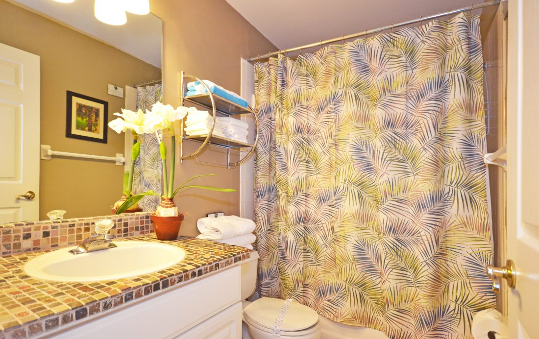 Bedroom 2 EnSuite - Fairways Townhome - 3 Bedroom Southern Dunes Vacation Townhome - Homes4uu