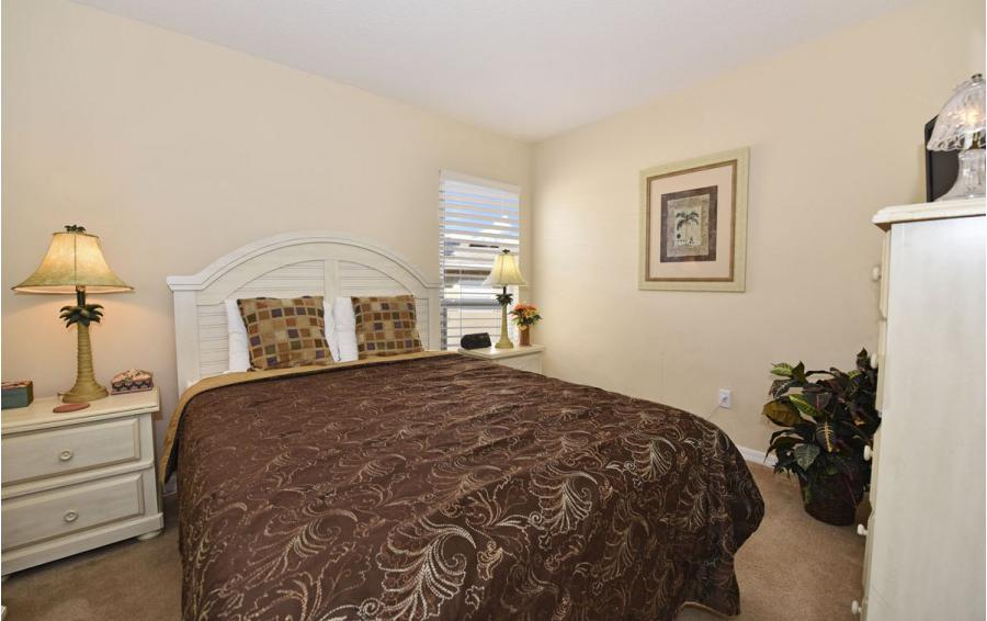 Bedroom 3 - Day Beacon - 6 Bedroom Disney World Area Vacation Home - Homes4uu