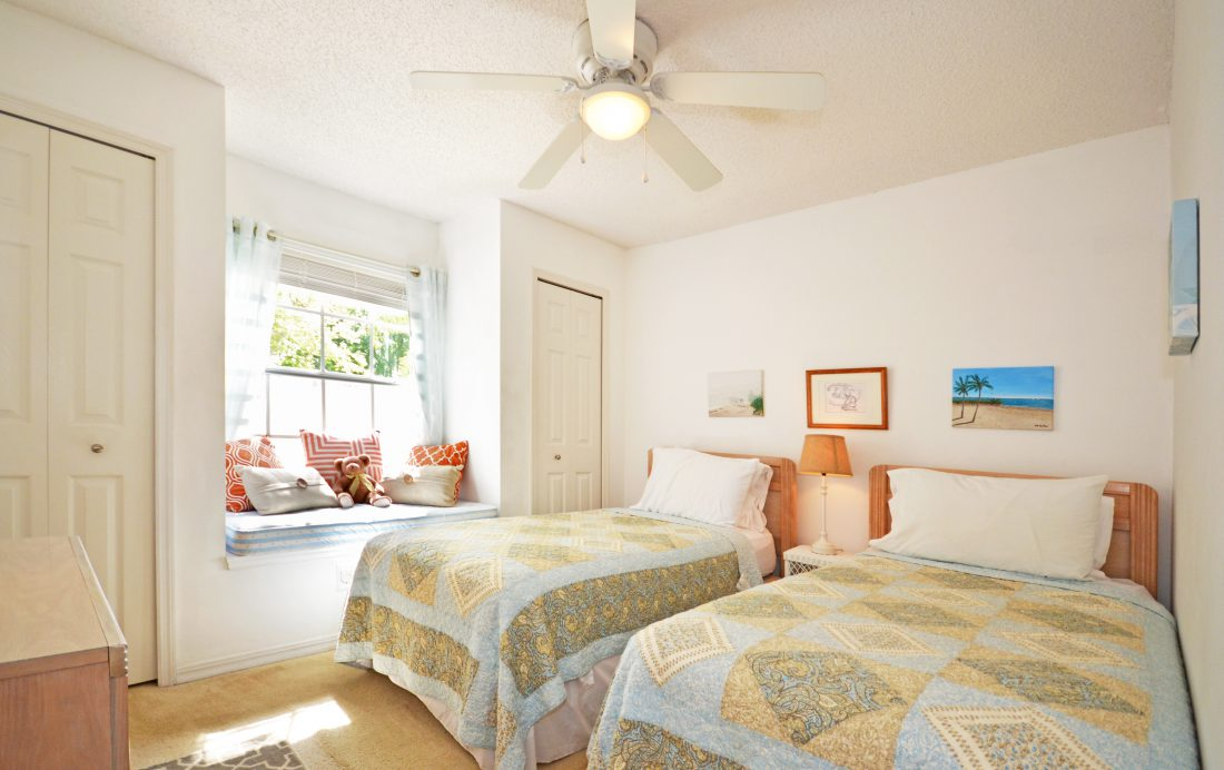 Bedroom 3 - Fairways Townhome - 3 Bedroom Southern Dunes Vacation Townhome - Homes4uu