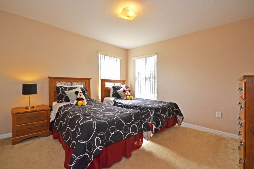 Bedroom -4 Two Twin Beds Mickey Mouse Themed - Casa Lago Villa - 6 Bedroom Disney Area Vacation Home - Homes4uu