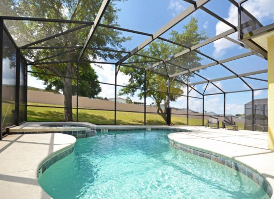 Covered Pool - Casa Lago Villa - 6 Bedroom Disney Area Vacation Home - Homes4uu