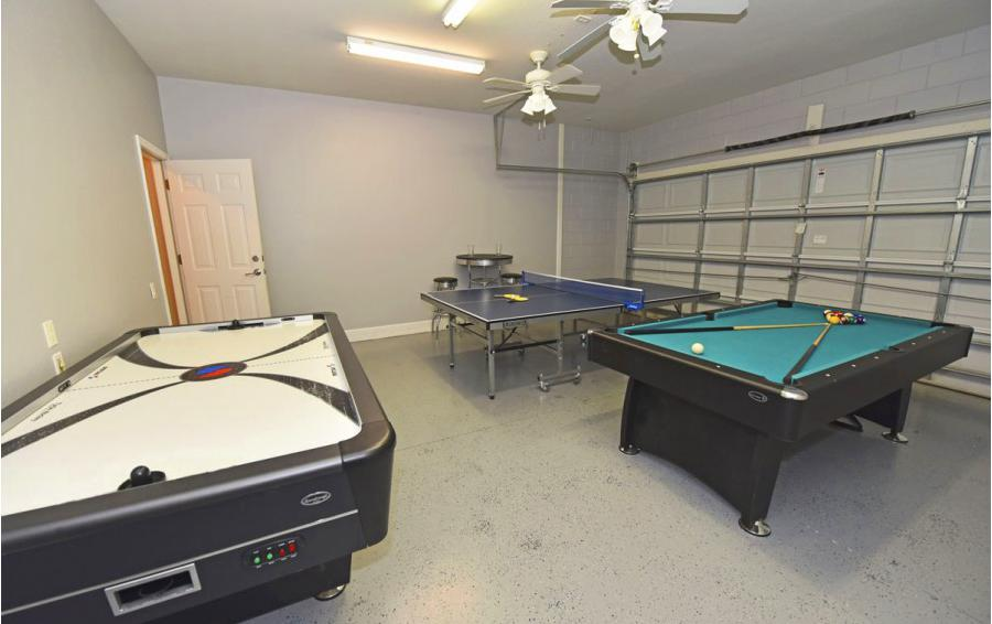 Game Room - Anchor Buoy - 6 bedroom Kissimmee vacation home - Homes4uu