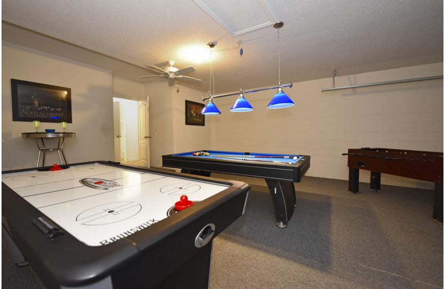 Game Room - Calabria at Westside - 6 Bedroom luxury vacation home - Homes4uu