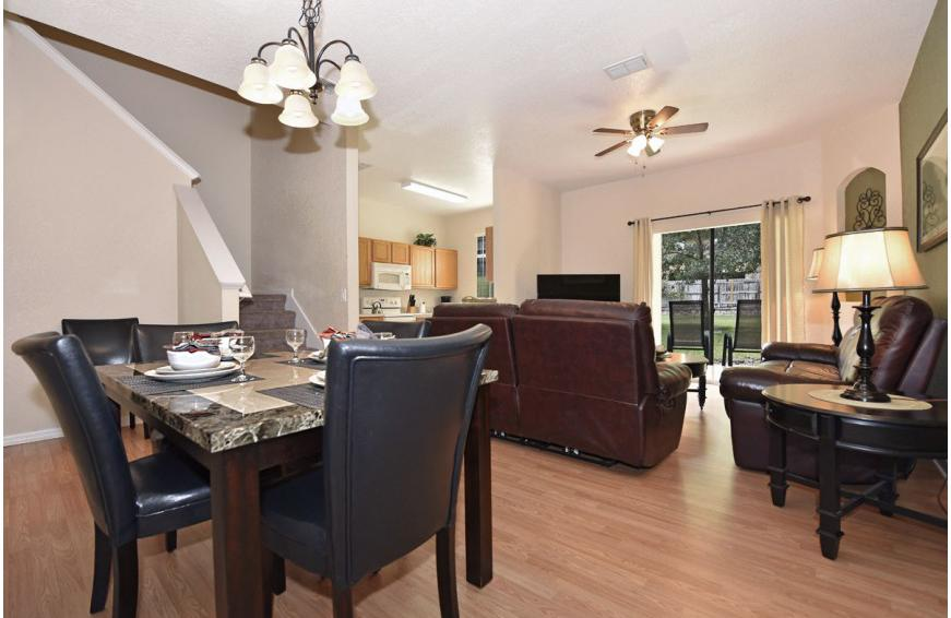 Great Room - Shift Colors - 4 bedroom Disney area vacation townhome - Homes4uu