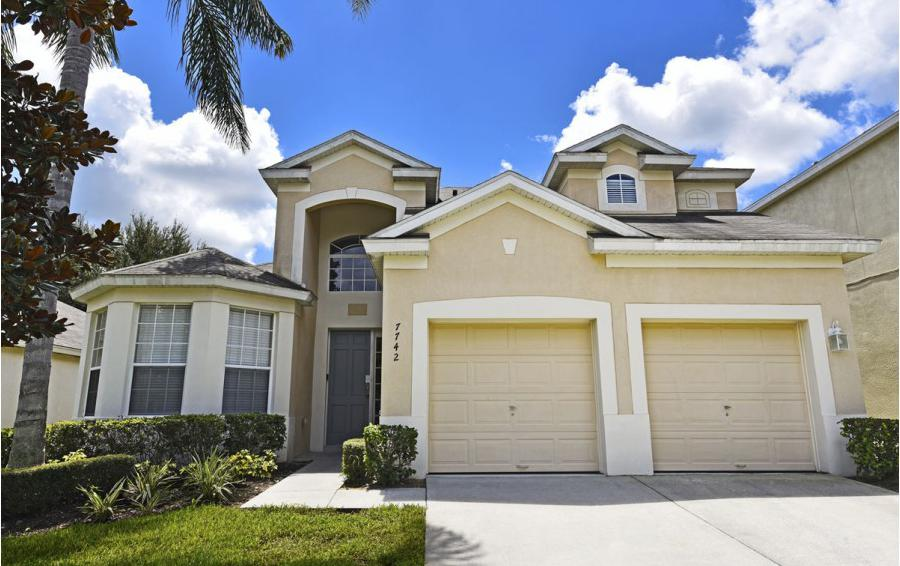 Home Exterior - Mizzen Staysail - 5 Bedroom Kissimmee Area Private Pool Home - Homes4uu