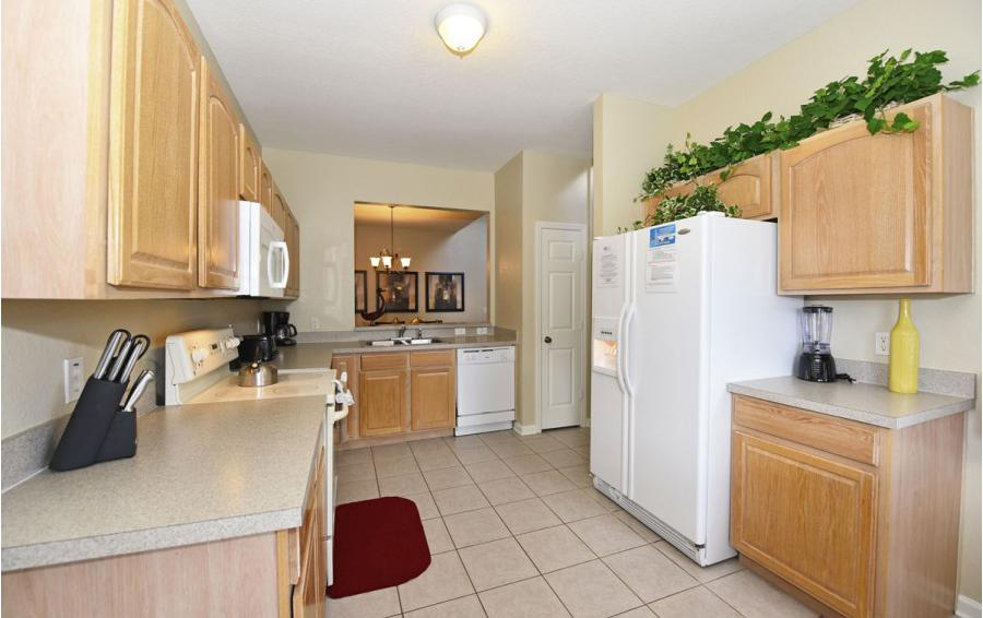Kitchen - Mizzen Staysail - 5 Bedroom Kissimmee Area Private Pool Home - Homes4uu