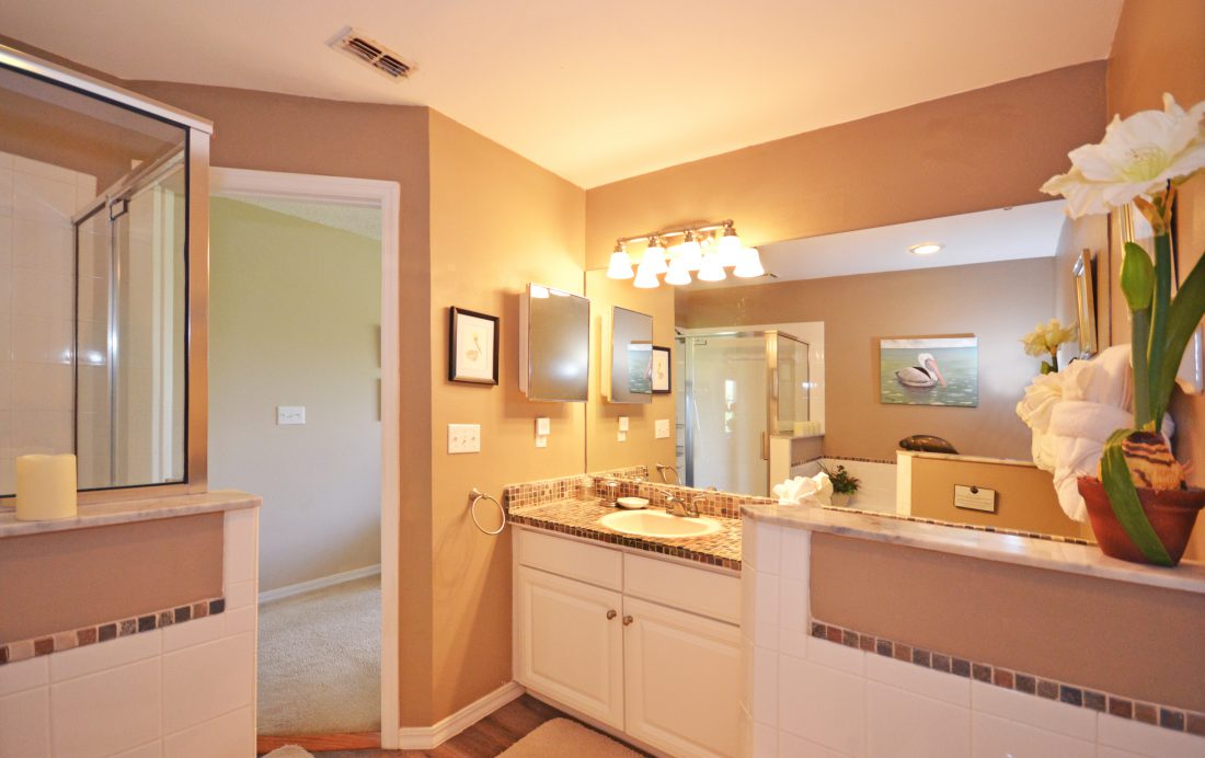 Master Bathroom - Fairways Townhome - 3 Bedroom Southern Dunes Vacation Townhome - Homes4uu