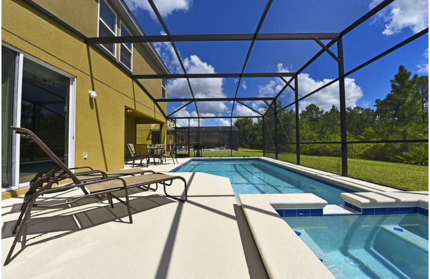 Pool and Spillover Spa - Calabria at Westside - 6 Bedroom luxury vacation home - Homes4uu