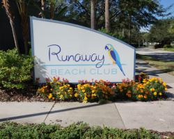 Runaway Beach Club Entrance