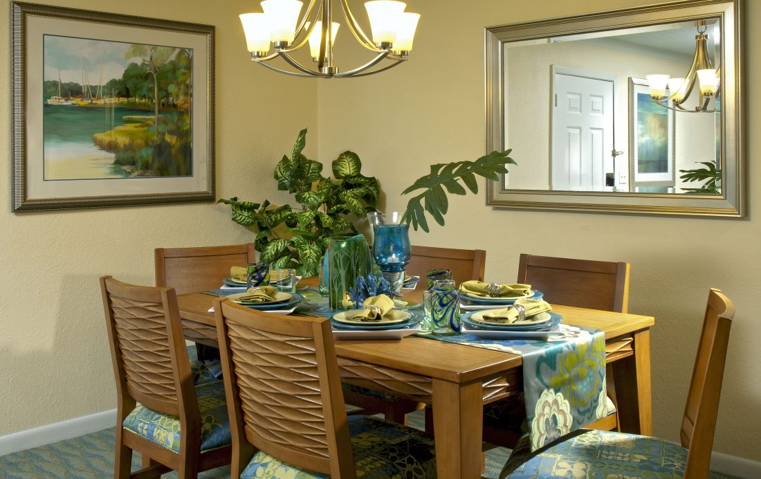 Dining Room - Blue Tree Resort Lake Buena Vista - Homes4uu