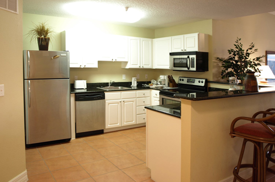 Kitchen - 1 Bedroom Condo - Madeira Bay Resort and Spa - Homes4uu
