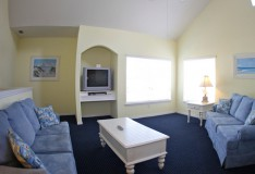 Full Living Area - 1 bedroom Runaway Beach Club condo - Homes4uu