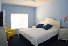 Master Bedroom - 1 bedroom Runaway Beach Club condo - Homes4uu