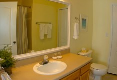 Master Bathroom - 2 bedroom Runaway Beach Club Condominiums - Homes4uu