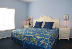 Master Bedroom - Runaway Beach Club resort condominium - 3 bedroom Condo - Homes4uu