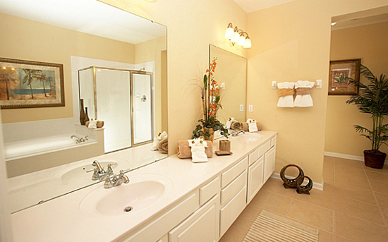 Bathroom - Vista Cay Resort - 2 and 3 Bedroom, 2 Bath Condo - Homes4uu