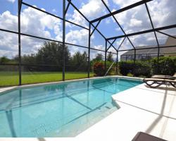 Private Screened in Pool and Deck - Nipper - 4 Bedroom Orlando vacation villa - Homes4uu