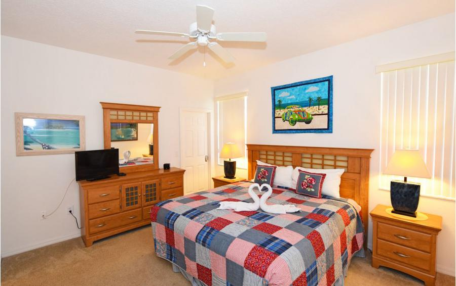 Bedroom 1 - Cofferdam II - 6 Bedroom Disney World Area Vacation Home - Homes4uu