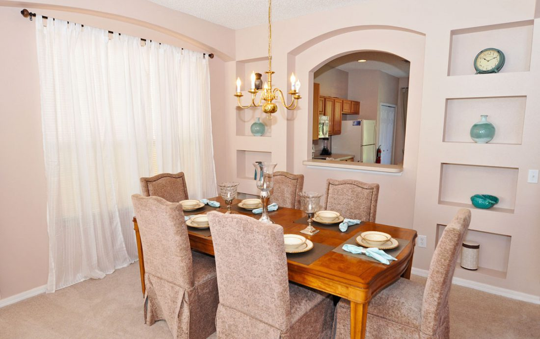 Dining Table - Bumpkin - 7 Bedroom Disney Area Home - Homes4uu