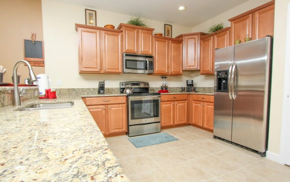 Galleon II - 8 Bedroom Private Pool Rental Vacation Home - Homes4uu - Kitchen