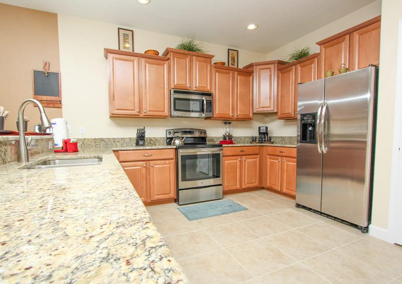 Kitchen - Galleon II - 8 Bedroom Private Pool Rental Vacation Home - Homes4uu