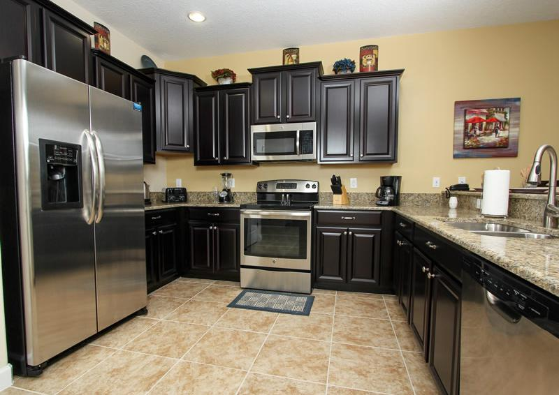 Kitchen - Boatswain II - Disney area Vacation Rental Home - Homes4uu