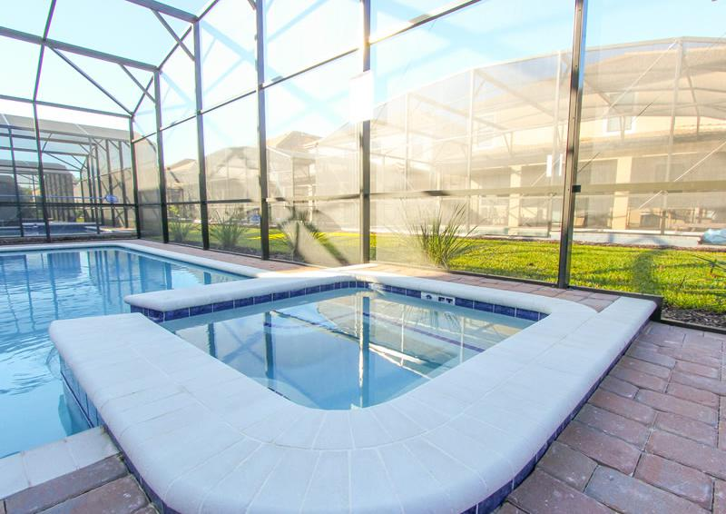 Pool and In Ground Spa - Captain's Table - 6 Bedroom Orlando Vacation Home near Disney - Homes4uu