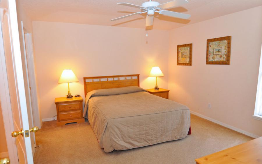 Bedroom 1 - Anchor Ball - 4 Bedroom Private Pool Home - Homes4uu