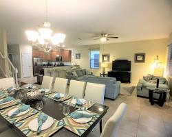 Great Room - Downhaul 8 Bedroom Vacation Home Near Disney - Championsgate Home - Homes4uu