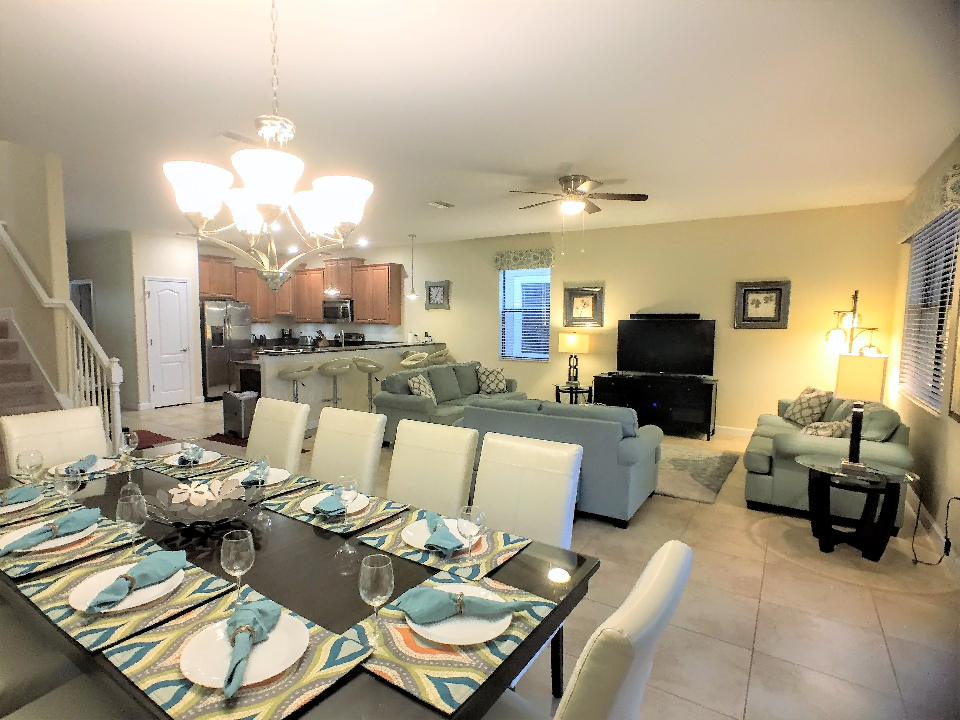 Bon 8 Bedroom Vacation Home   Starting At $339 Per Night!