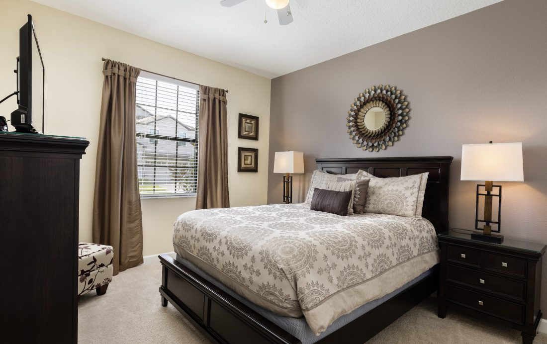 Bedroom 4 - Downhaul 8 Bedroom Vacation Home Near Disney - Championsgate Home - Homes4uu