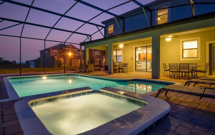 Mainbrace - 8 Bedroom Orlando Vacation Home Homes4uu - Night Time Pool