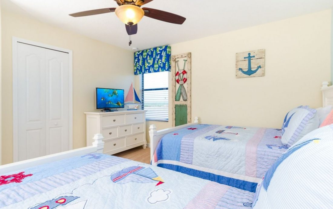 Bedroom 6 - Mainbrace - 8 Bedroom Orlando Vacation Home - Homes4uu