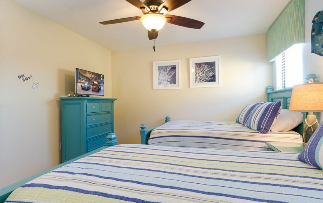 Bedroom 7 - Mainbrace - 8 Bedroom Orlando Vacation Home - Homes4uu