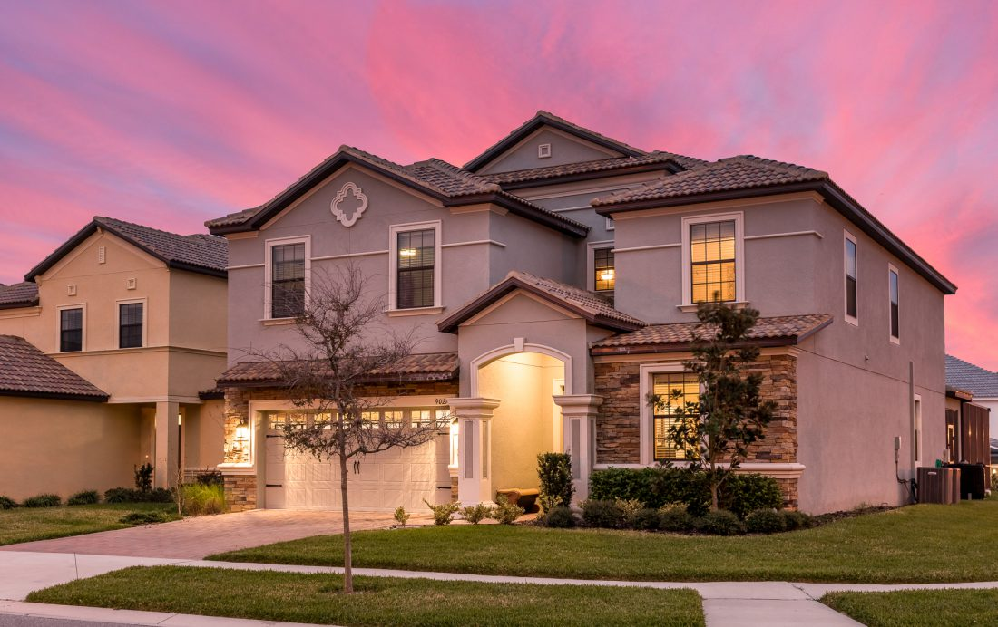 Twilight 2 - Mainbrace - 8 Bedroom Orlando Vacation Home - Homes4uu