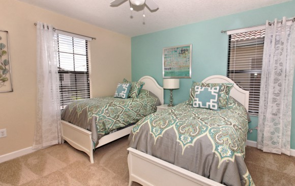 Downhaul 8 Bedroom Vacation Home Near Disney Bedroom with Full & Twin