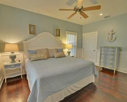 Vizcaya by the Sea - 3 Bedroom Florida Beach Cottage - Homes4uu - Bedroom