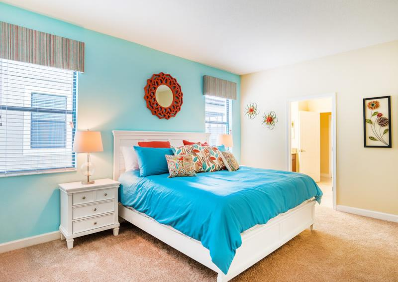 Master Bedroom - Pearl - 9 Bedroom Champions Gate Home - Homes4uu