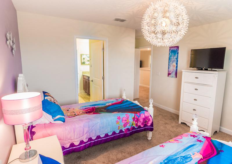 Bedroom 8 Princess Themed Bedroom View 2 - Grapeshot Beautiful 9 bedroom Champions Gate Vacation Home - Homes4uu