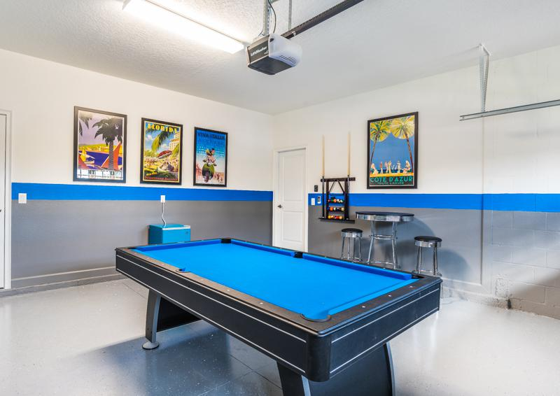 Blue Game Room - Grapeshot Beautiful 9 bedroom Champions Gate Vacation Home - Homes4uu