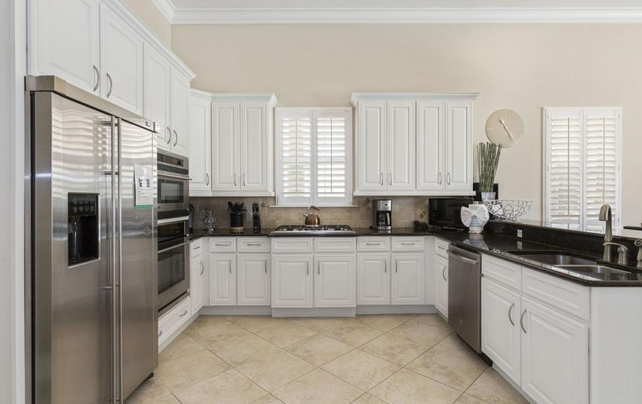 Kitchen - Reunion Retreat Admiral 7 Bedroom Luxury Reunion Disney Area Vacation Home - Homes4uu