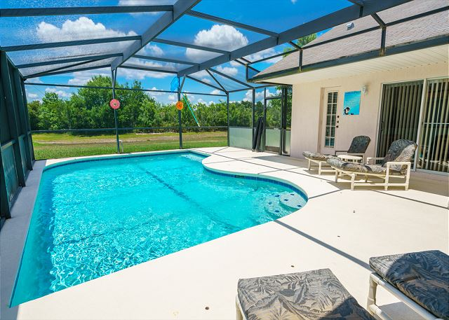 4 Bedroom Disney Area Vacation Home Pool View