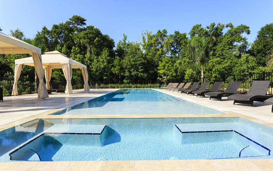 Pool-1- Huge Pool with water features. - Flannel - 9 Bedroom Reunion Resort Vacation Mansion - Homes4uujpg