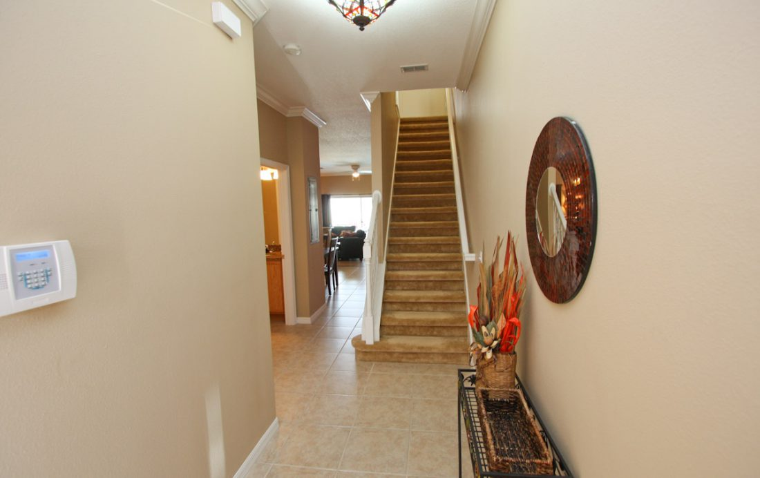 Entrance - Blue Allure - Well Appointed 3 Bed Townhouse - Dream Resort - Homes4uu