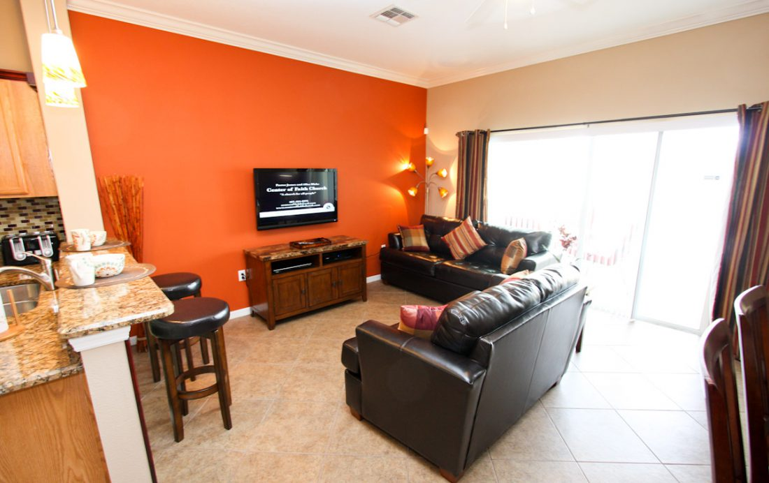 Family Room with TV - Blue Allure - Well Appointed 3 Bed Townhouse - Dream Resort - Homes4uu