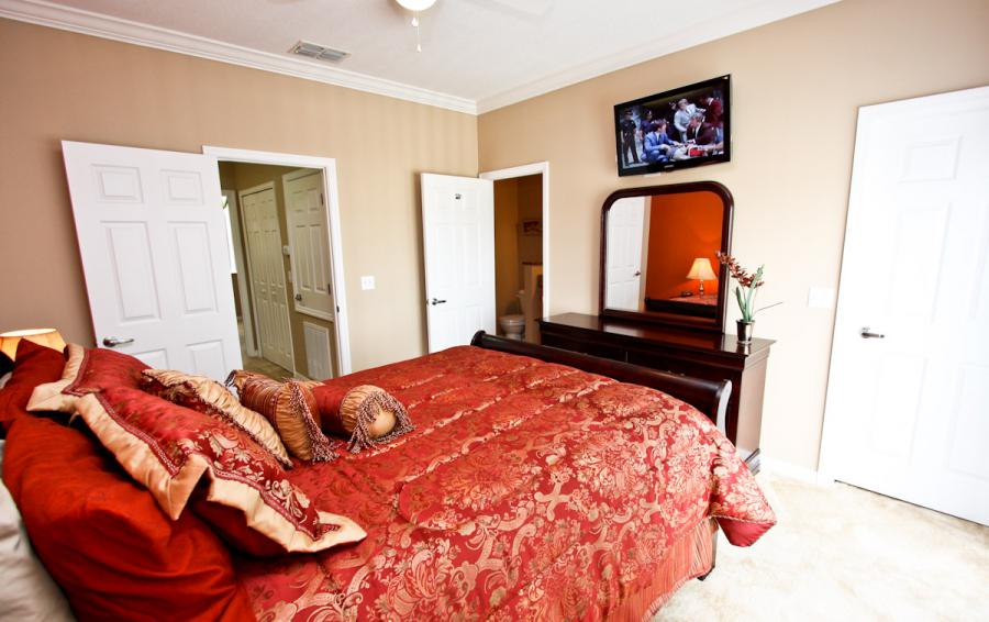 Bedroom 2 View 2 - Buoy Reverie - Well Appointed 3 Bed Townhouse - Dream Resort - Homes4uu