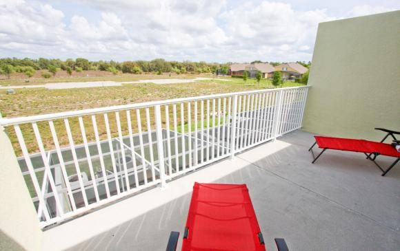 Modern 3 Bedroom Townhouse - Blue Allure - Homes4uu - View from the Deck