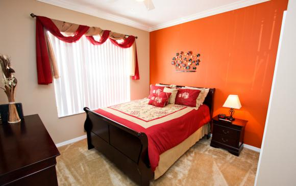Bedroom 1 - Buoy Reverie - Well Appointed 3 Bed Townhouse - Dream Resort - Homes4uu